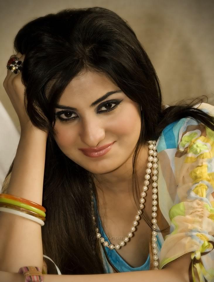 Fashion Mania  Sataesh Khan Hottest Pakistani Model-6897