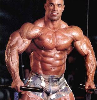 متى تصبح عضلاتي مفتولة وأمتلك جسما قويا؟