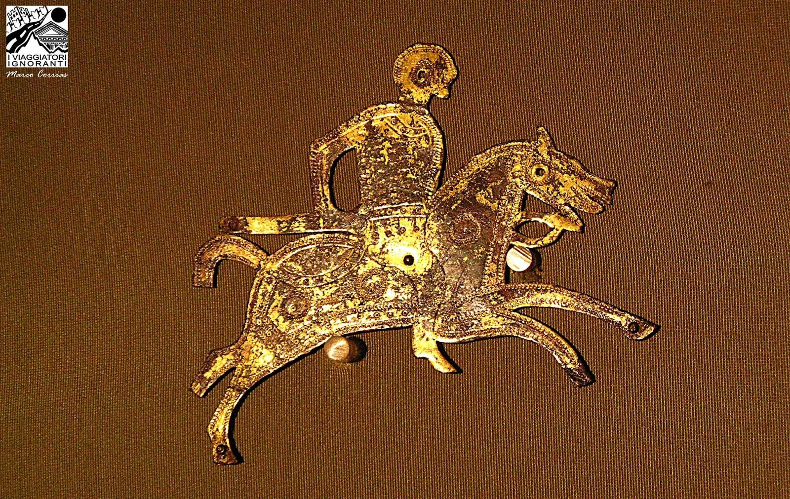 Altro equitazione cavalli scudo con incisione stalla sella sella