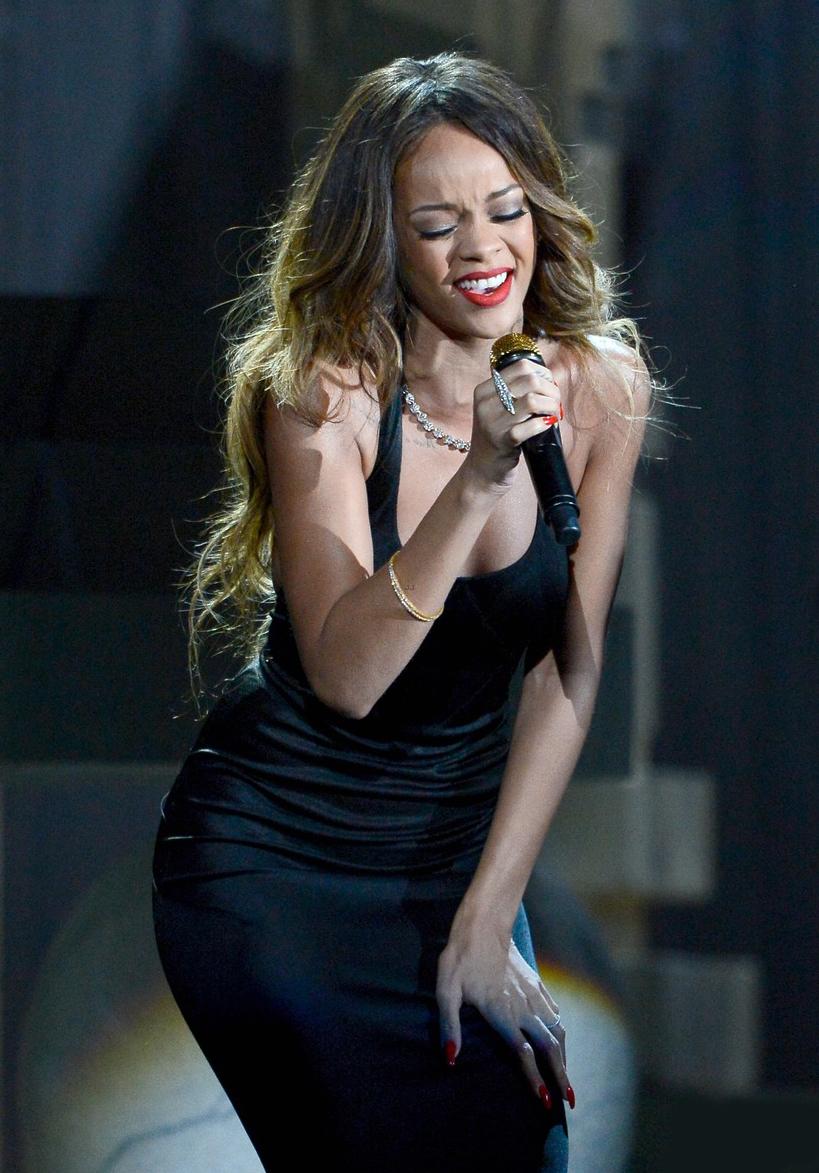 Celeb Diary: Rihanna @ MTV VMA 2013 After Party |Rihanna 2013