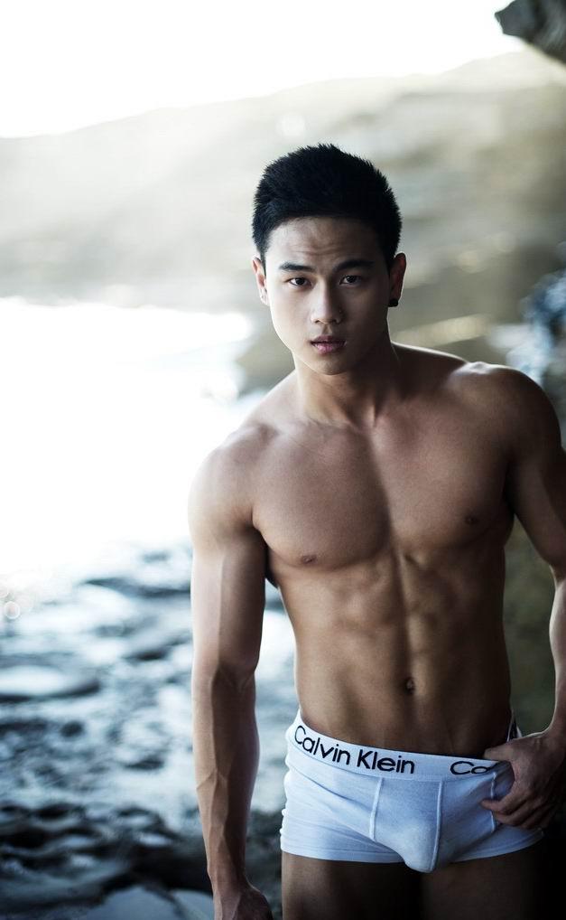 cool-male-model-korea-naked-cock-korea-girl-xxx