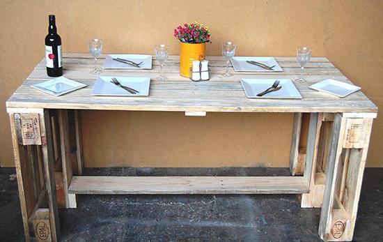 meja makan dari kayu kontainer bekas
