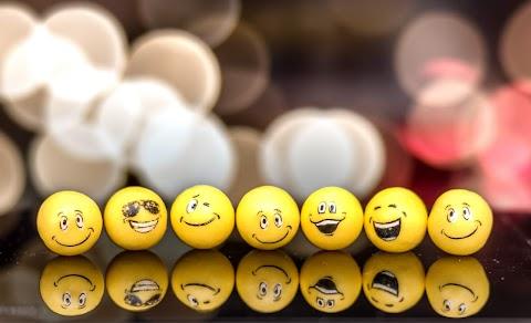 5 Tips Jitu Atasi Mood Swing Berlebih Saat PMS