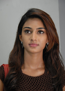Most Popular Celebrities Erica Fernandes HD Wallpapers3.png