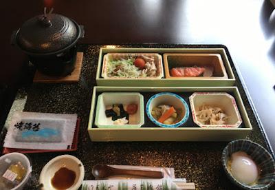 藤三旅館の朝食