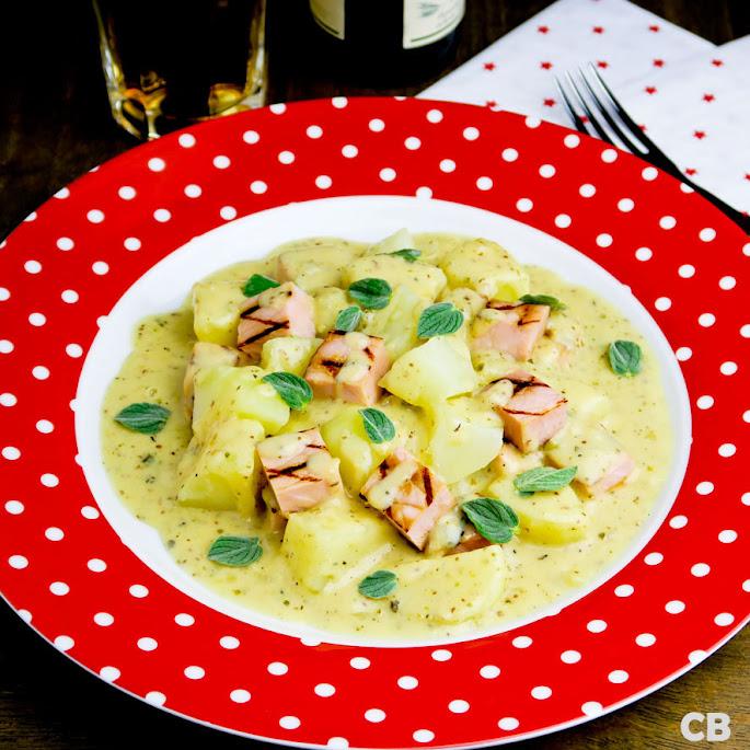 Recept Ovenschotel van gegrilde casselerrib, aardappels en mosterdsaus