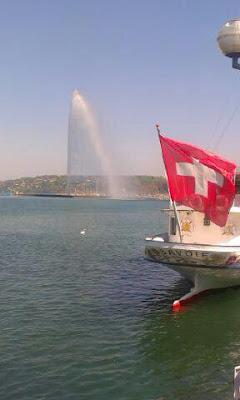 W Szwajcarii, widok na fontannę w Genewie