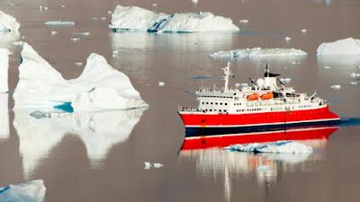 Icebergs invaden la costa de Terranova
