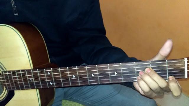 Belajar Chord dan kunci gitar dasar (A# / Bb) mayor