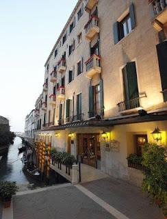 http://lunahotelbaglioni.hotelinvenice.com/index_es.html