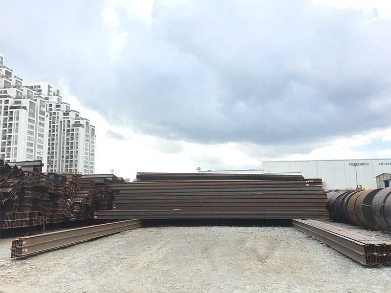 Lô thép hình Hàn Quốc nhà máy Hyundai cập cảng TPHCM