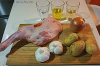 Paletilla de cordero al horno con patatas panadera: