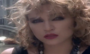 videos-musicales-de-los-80-madonna-angel