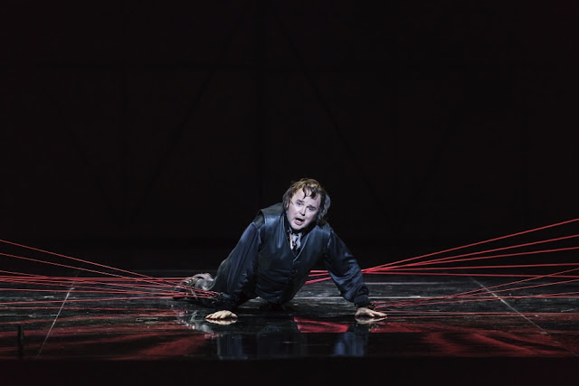 Donizetti: Roberto Devereux - Barry Banks - Welsh National Opera (photo Bill Cooper)