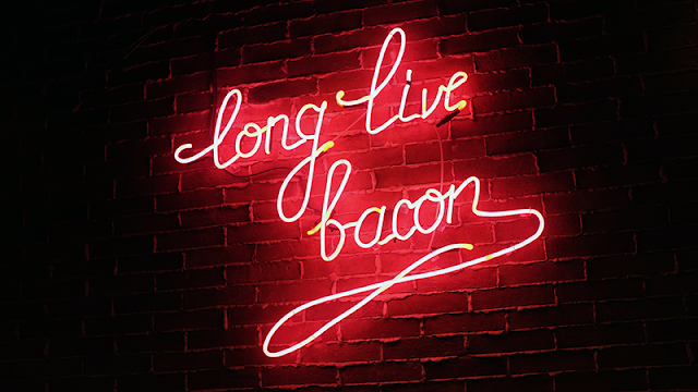 Neil Writes About Lazy Bastard's Bacon, Hotdogs and Burgers! whatneilwritesabout.com