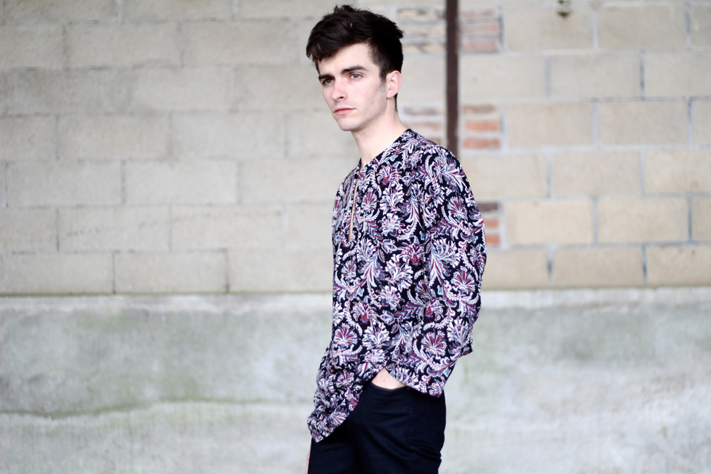 BLOG-mode-homme-style-masculin-rock-veste-cuir-blouson-noir-asos-chemise-ethnique-mec-viril-paisley-boots-tods-minimaliste-nudie-bio-coton