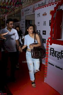 Radhika Apte At Colours Khidkiyaan Theatre Festival 2017 04.jpg