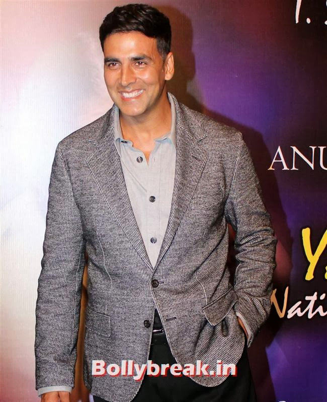 Akshay Kumar, Bollywood Beauties at Yash Chopra Memorial Awards
