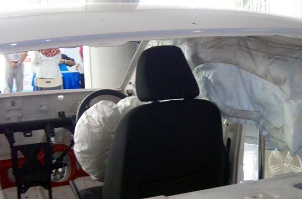 5 Fitur Keselamatan Mobil Terbaru Wajib Ada di Setiap Varian
