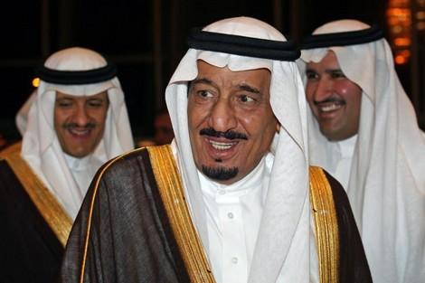 """ملك السعودية يواصل """"حشد"""" زعماء عرب وأجانب بمدينة طنجة"""