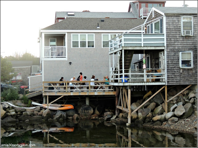 Lobster Shacks en Massachusetts: Patio Roy Moore Lobster Company