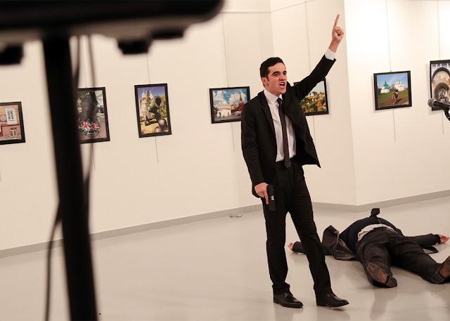 O recente assassinato do embaixador russo em Ancara, possivelmente foi perpetrado por forças pró-Israel que querem desestabilizar a Turquia e danificar suas relações com Moscou e Teerã, segundo um estudioso americano e analista político