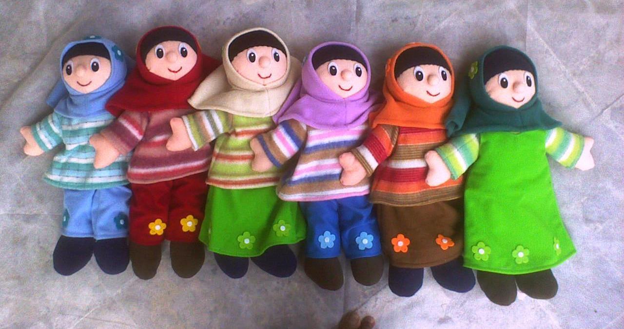 Beragam model boneka beredar di pasaran saat ini. Ada yang berkarakter  binatang e7ed6c0989