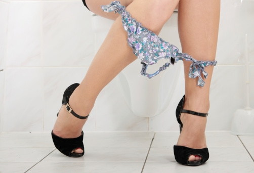 Here's Why Women Should Pee Right After S*xual Intercourse