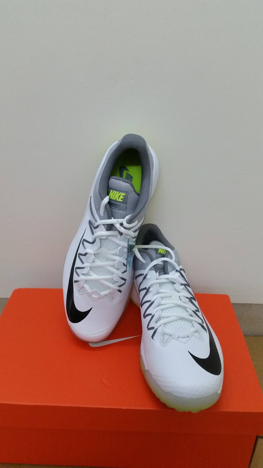 d18335954c99 So they can be utilized while playing professional out-door tournaments.  The Nike DOMAIN 2 are full metal spikes cricket shoes which are removable  ...