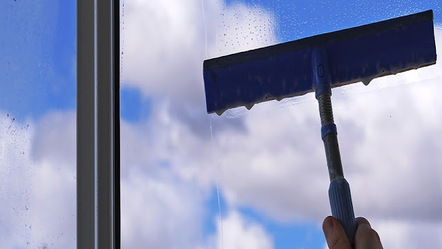 Tips for Cleaning Vinyl WINDOWS