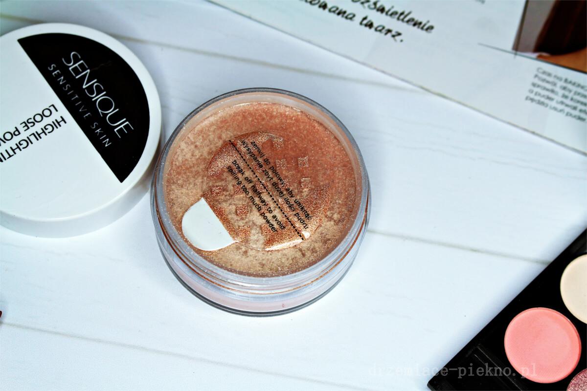 Sensique Highlighting Loose Powder rozświetlający puder sypki do twarzy i ciała Sensitive Skin