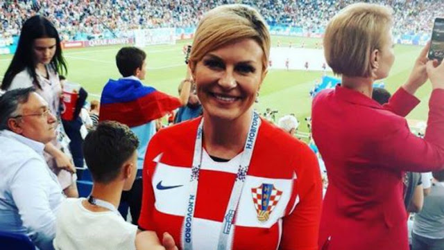 Piala Dunia 2018 : Kroasia Kalahkan Rusia, Presiden Cantiknya Jadi Viral
