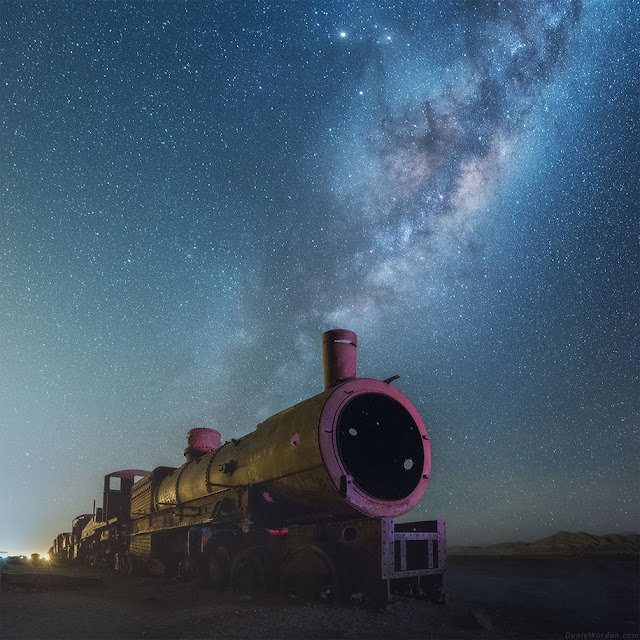 世界の絶景、ウユニ塩湖の美しい星空