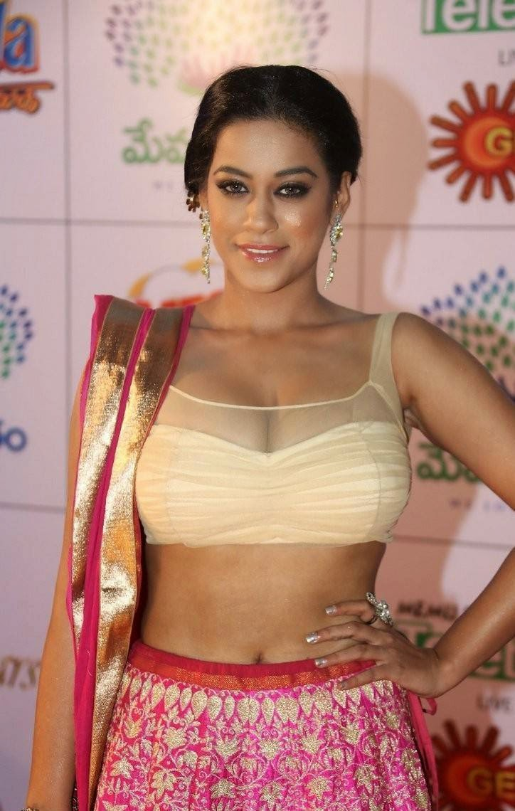 Mumaith Khan Pictures, Mumaith Khan Slim Pics in Seyxy Lehenga Choli