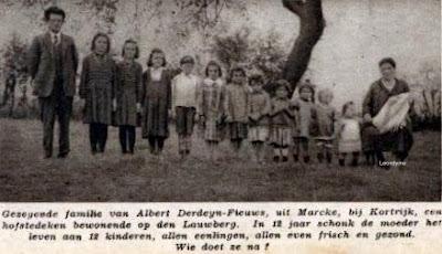 De familie Albert Derdeyn-Fieuws uit Marke met hun 12 kinderen.