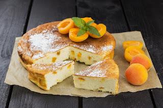Pyragas su varške ir abrikosais