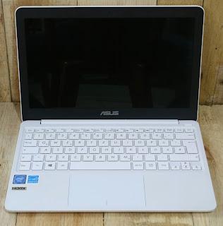 ASUS Vivobook E200HA-FD0005TS Bekas