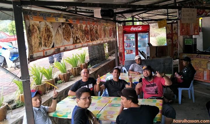 Gerai makan pagi di Kuala Tahan
