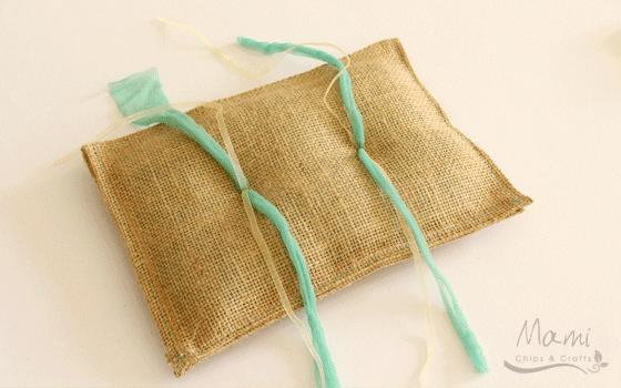 Mami chips crafts come realizzare un cuscino portafedi for Cuscino per cani fai da te