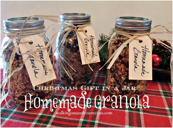 Homemade Granola Christmas Gift in a Jar from Walking on Sunshine.
