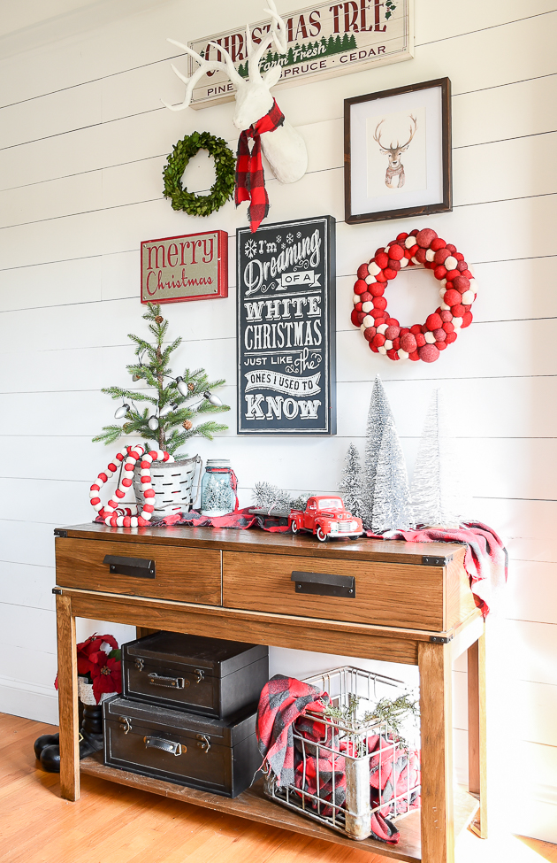 entryway, christmas, holiday decor, merry chirstmas