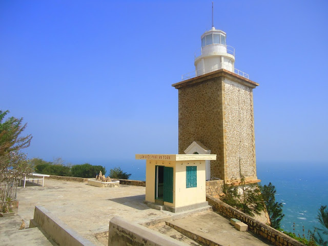 The wild beauty of the Mui Dinh lighthouse 1