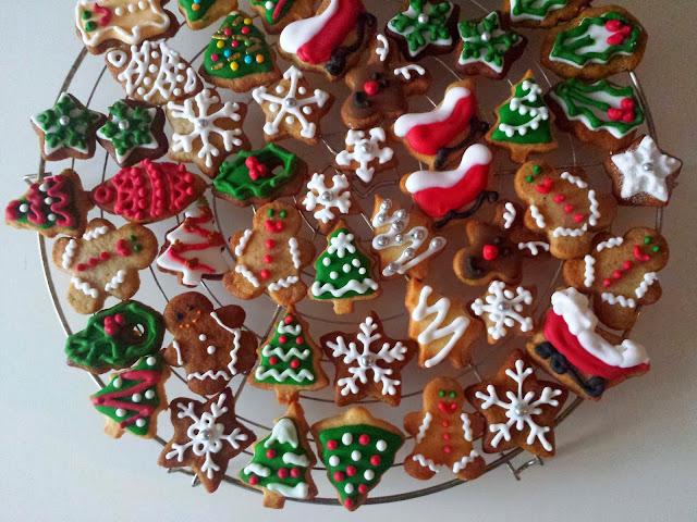 Imagenes De Galletas De Navidad Decoradas.El Festin De Marga Galletas De Navidad Decoradas Con Glasa