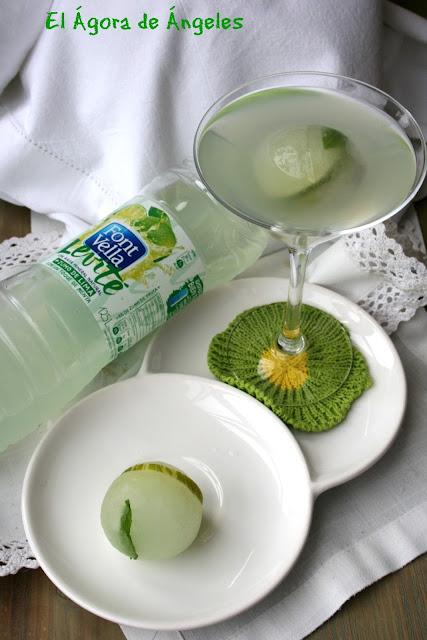 Cóctel de agua de lima y menta