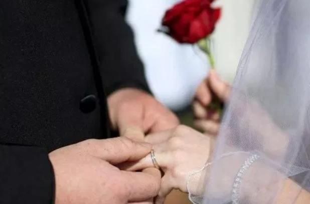 تارودانت24 ....النيابة العامة تدخل على خط قضية الأستاذة المتزوجة من رجلين