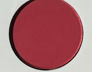 kishadow-burgundy-palette-kylie-jenner