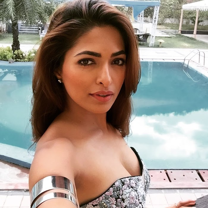 Parvathy Omanakuttan Sexy Photoshoot & hottest images