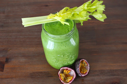 Pineapple-Spinach-Celery-Smoothie