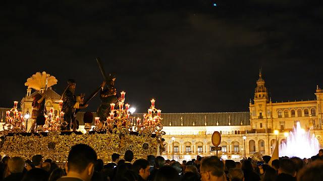La Paz por la plaza de España cristo