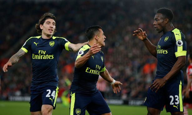 Southampton 0-2 Arsenal: A luta continua